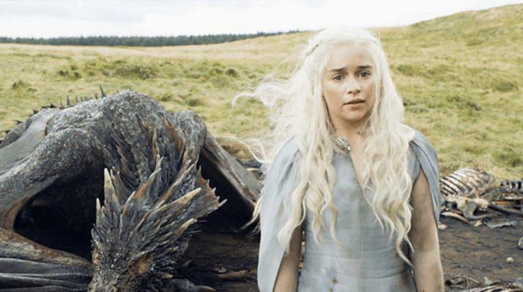 Lieu où Drogon dépose Daenerys après l'avoir sauvée d'une attaque à Meereen. Elle y est capturée par les Dothraki.