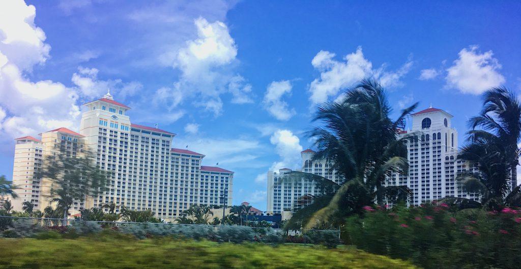 Immenses complexe hôtelier de Nassau, Bahamas